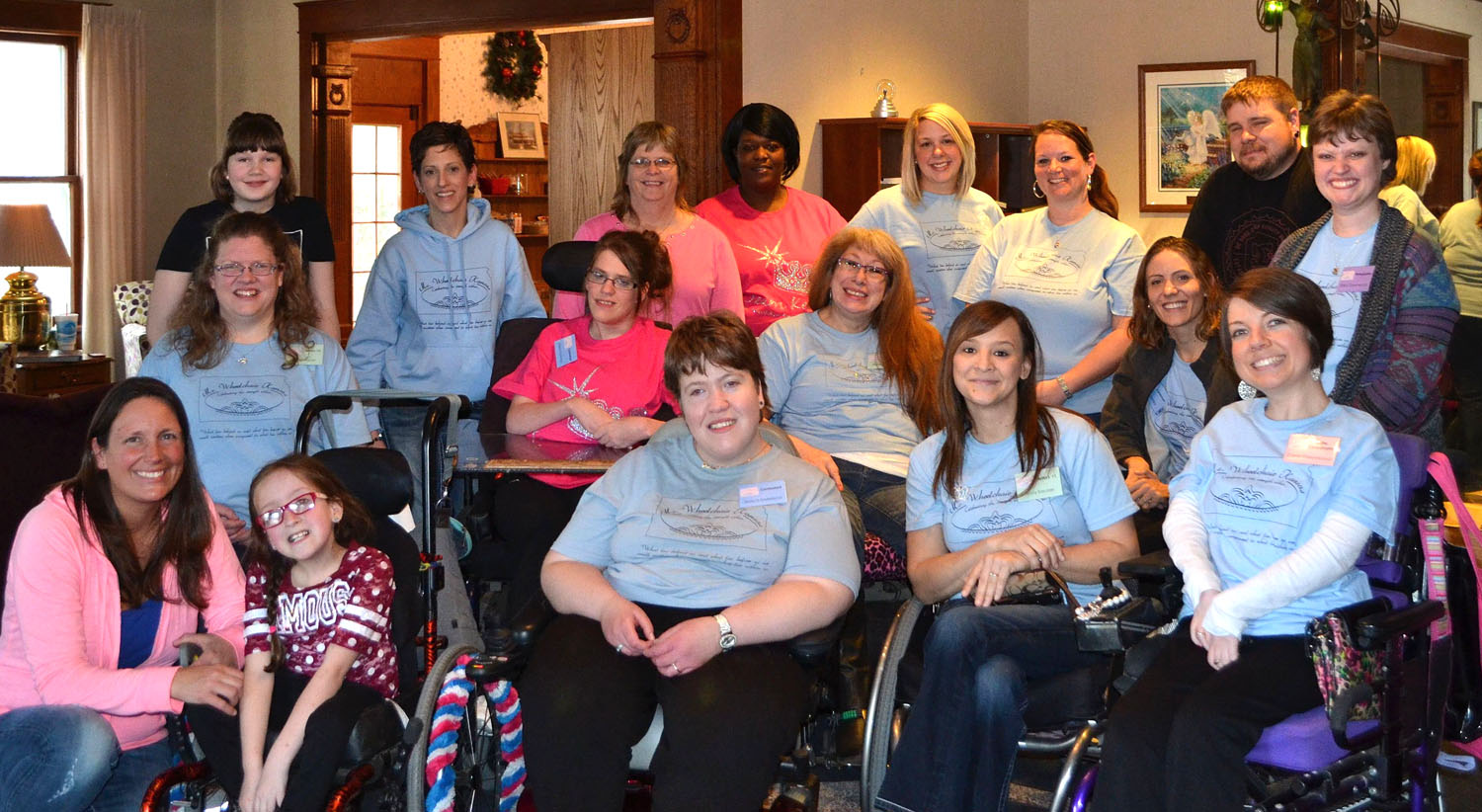 Contestants and committee at Ronald McDonald House